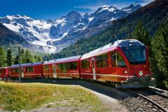 Bernina Express. Photo courtesy  www.swissrailsystem.com