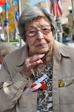 106 year old Doris Lochness was the 55th helicopter pilot to serve for the Women's Air Force Service Pilot in WWII.  --Photo by Rick Sloan