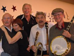 Shown are members of the Sacramento Banjo Band with famous banjo player Tom Smothers from the Smothers Brothers. Photo courtesy of the Sacramento Banjo Band.