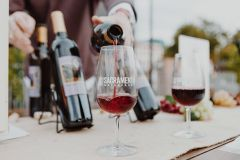 """""""Sunset Sip"""" guests will enjoy an elegant evening of unlimited wine tastings made from some of El Dorado's best grapes, tasty light appetizers from local restaurants, and entertaining live music. Photo courtesy of T-Rock Communications"""
